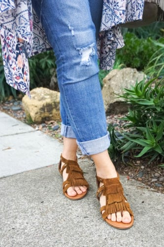 spring outfit with kimono and fringe